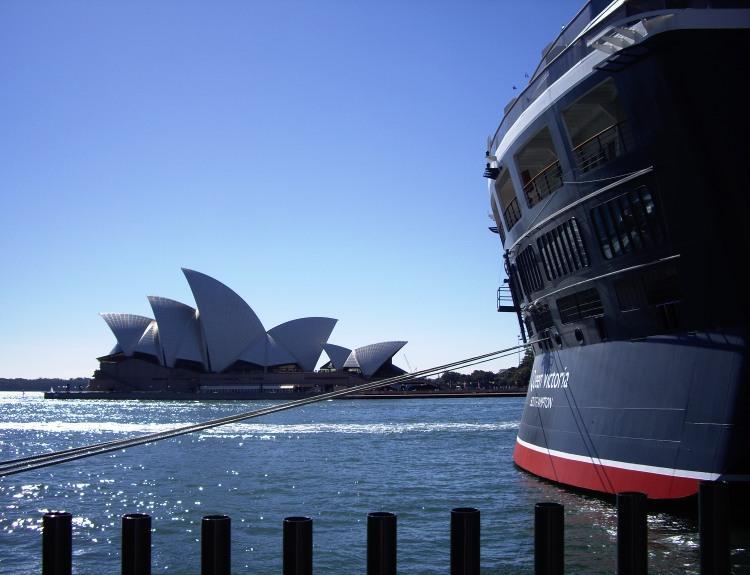 Queen Victoria & Sydney Opera House